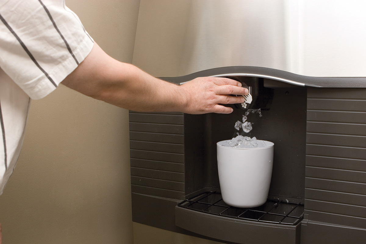 ice dispensing machine