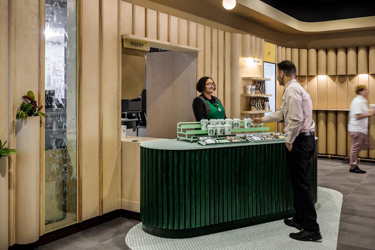 Starbucks Pick Up Penn Station