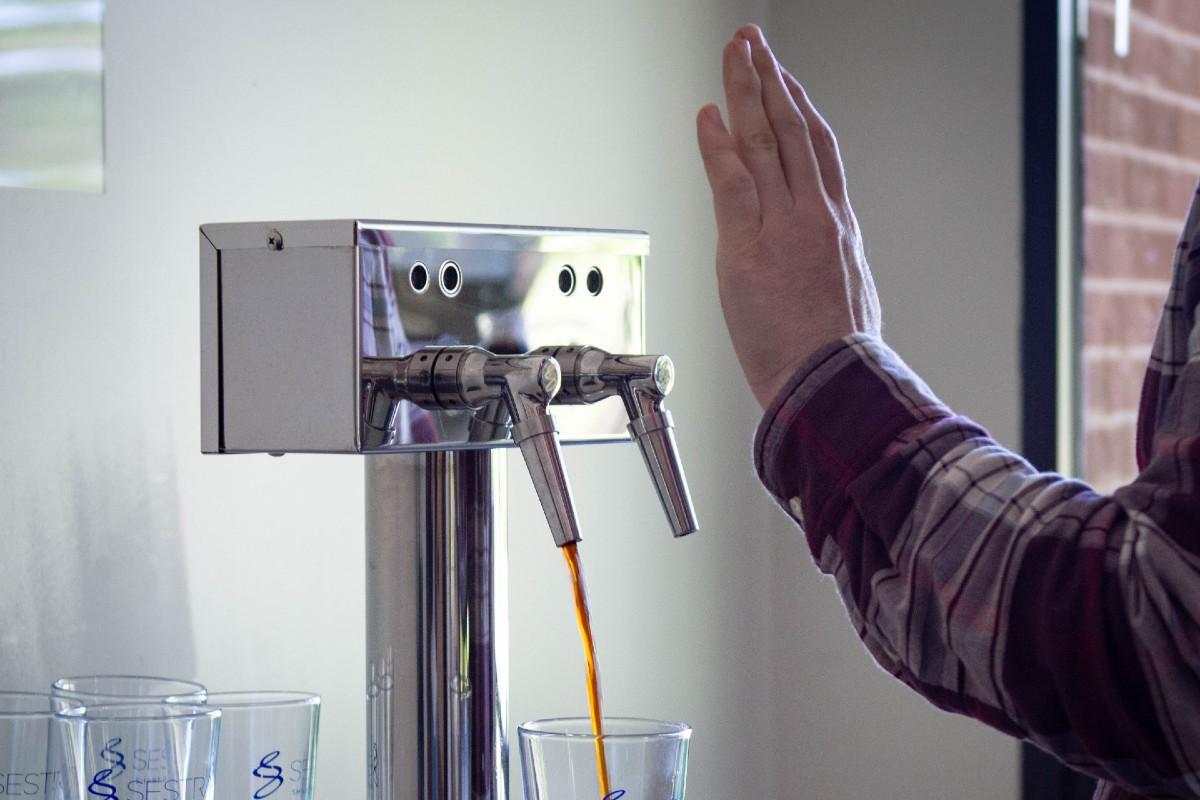 Ssentra Contactless Wine Dispenser