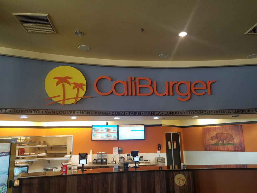 CaliBurger-interior3jpg