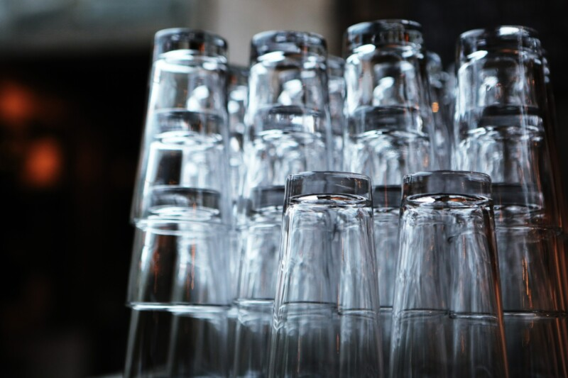Restaurant Glasses Image by LEEROY Agency from Pixabay