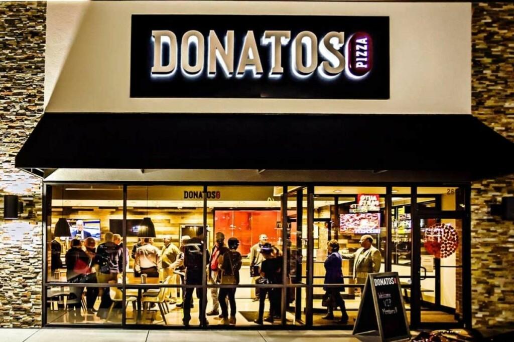 Donatos storefront (Photo Courtesy of Donatos)