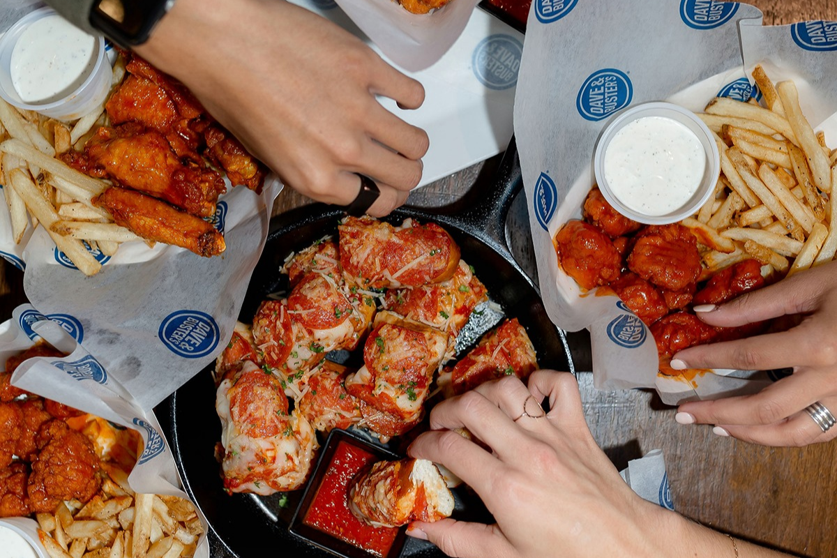 Dave and Busters 1200x800 1
