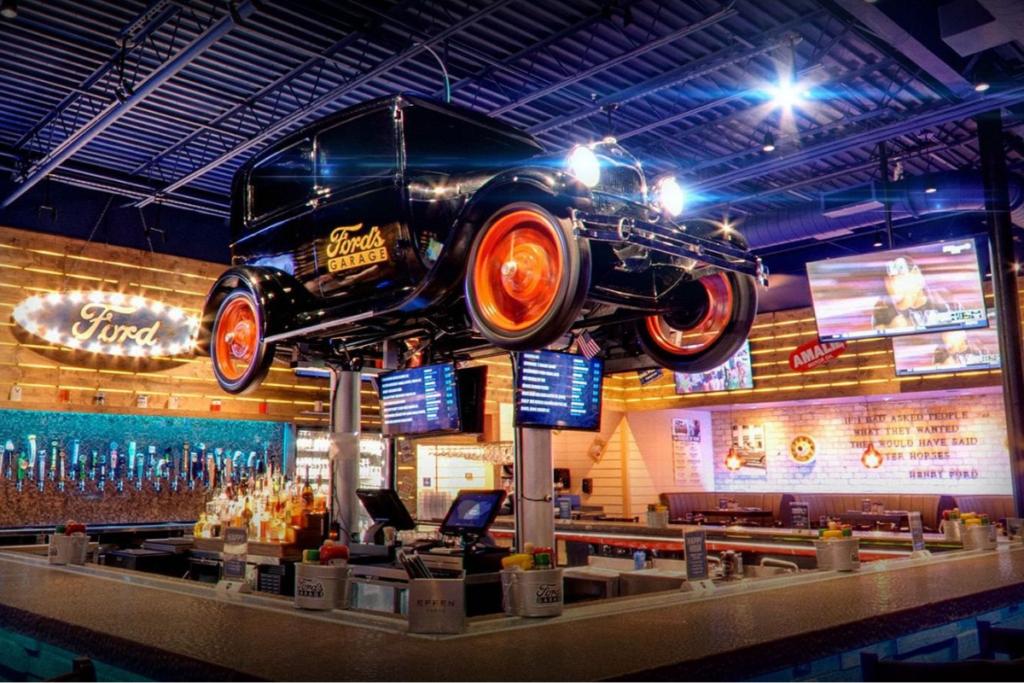 Fords Garage 1200x800 1